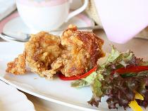 北海道産の鶏肉を使用した唐揚げ
